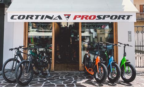 Esterno del negozio Cortina pro Sport